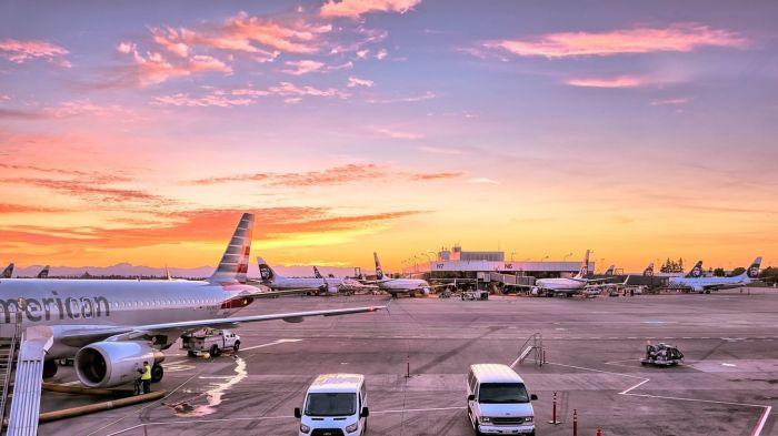 Отсутствие пассажиров в аэропортах создает обманчивое ощущение абсолютной пустоты / Фото: uk.teratips.com