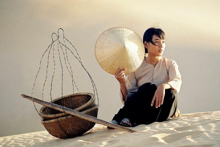 Незамысловатая на первый взгляд Нон Ла имеет свои секреты в изготовлении / Фото: Pinterest