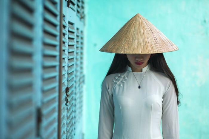 Согласно легенде, коническую шляпу вьетнамцам подарила богиня / Фото: zefirka.net