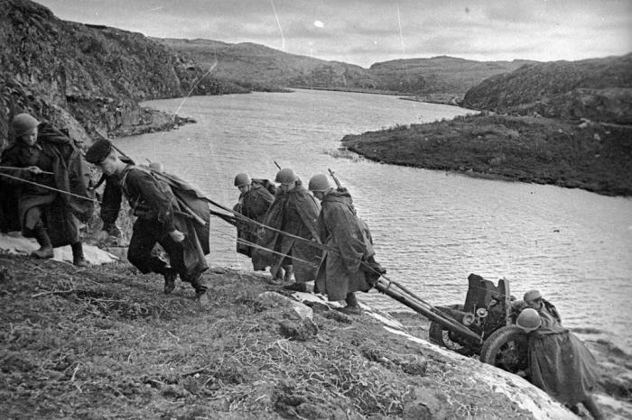 Но даже находясь в меньшинстве, пока не было подкрепления, советские солдаты успешно держали оборону / Фото: Twitter