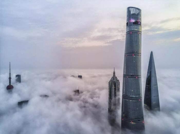 Шанхайская башня считается одним из самых устойчивых небоскребов в мире / Фото: Instagram›cgtnrussian