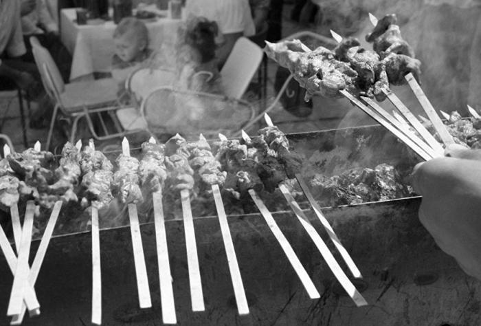 Жесткое и не очень свежее мясо заливали уксусом, делавшим его сочным и мягким / Фото: uz.sputniknews.ru