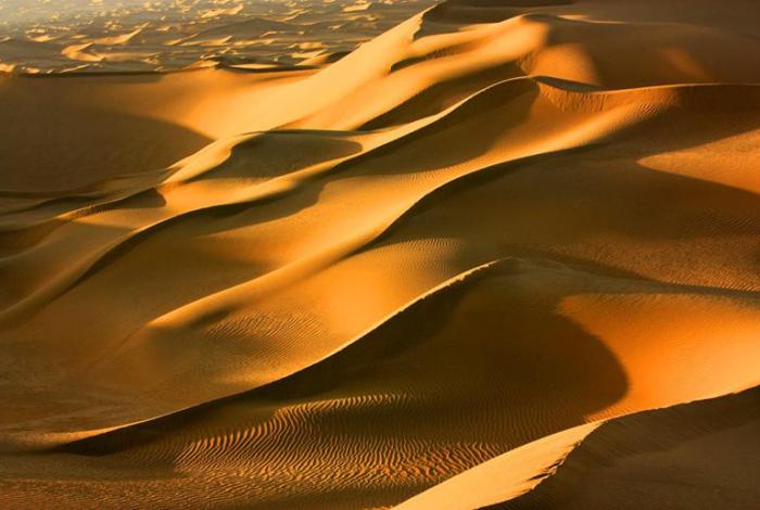 Такла-Макан – это одна из самых больших пустынь в мире, она находится в западной части Китая / Фото: chinadiscovery.com
