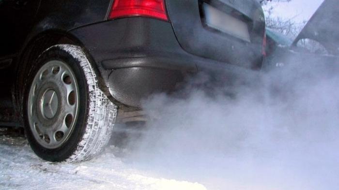 За прогрев двигателя автомобиля более пяти минут грозит штраф / Фото: newtimes.kz