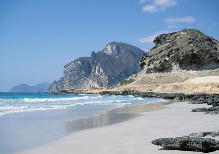 В этой уникальной стране 350 дней в году светит солнце, всегда теплые воды океана и пустынные чистые пляжи / Фото: multivu.com