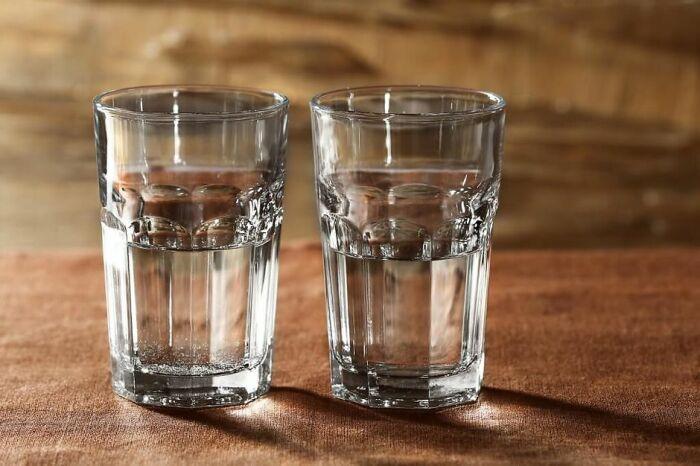 Полученный напиток лучше не употреблять сразу, а дать ему настояться / Фото: alcofan.com