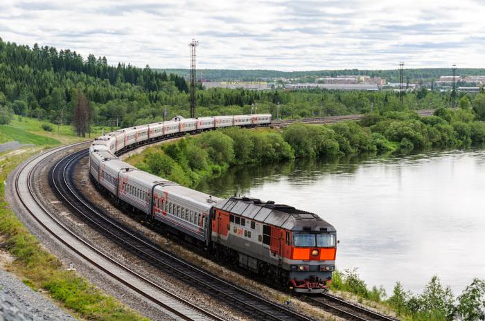 В России поезд, проехавший по рельсам с солью, без последствий продолжит свой путь. / Фото: trainpix.org