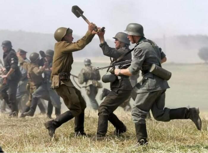 Недостаток в ресурсах объяснял более низкое качество немецких шлемов в отличие от советских / Фото: brovarnya-rivne.com