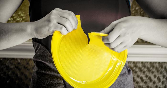 Осознав вред, наносимый пластиковой посудой окружающей среде, Европа полностью отказалась от ее использования / Фото: foodandmood.com.ua
