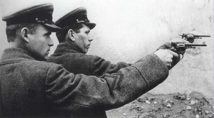 Практически с момента своего появления, глушители заинтересовали не только армейцев, но и сотрудников разведывательных ведомств / Фото: palitka.com