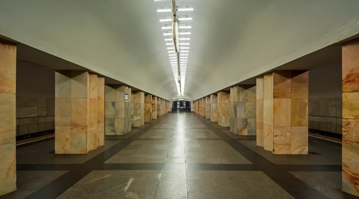 Колонны в Восточном зале более простой конструкции / Фото: yandex.ua
