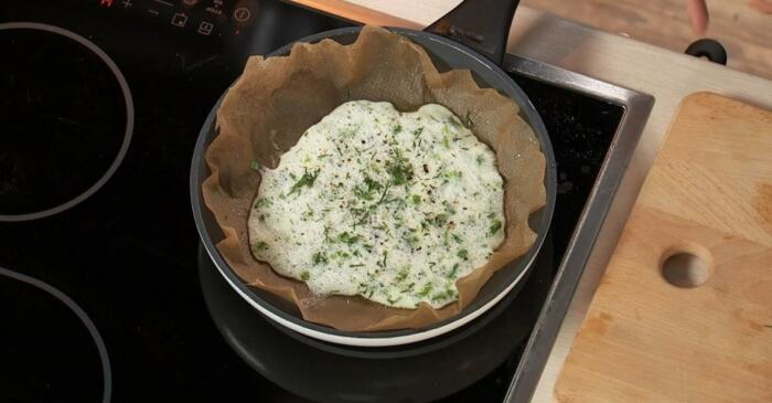 С помощью простого средства готовить на старой сковороде можно любое блюдо / Фото: tveda.ru