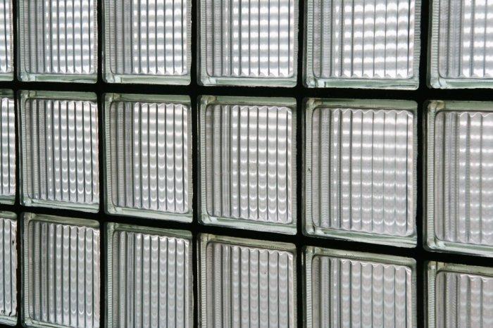Стеклоблоки изобрел американец Джеймс Пенникуик / Фото: commons.wikimedia.org