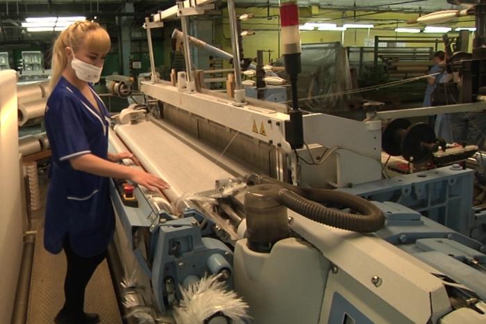 В Уфе на заводе «Стеклонит» и сегодня используют стеклянные шарики в производстве / Фото: gtrk.tv
