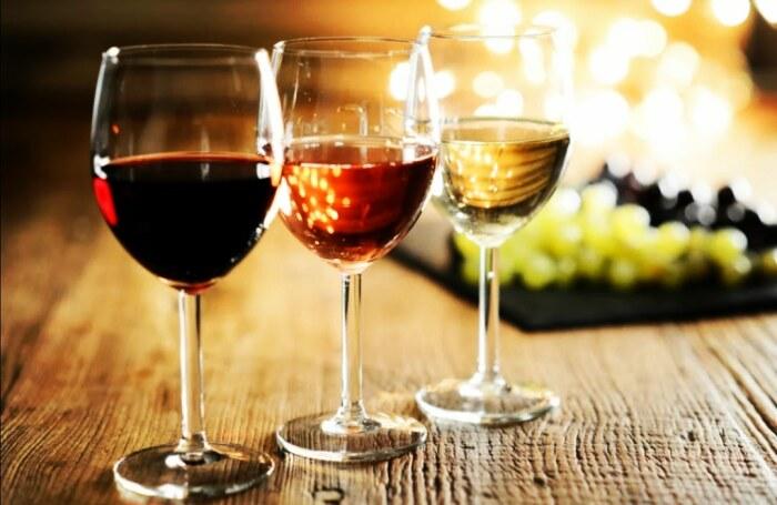 Столовое вино может быть различным по типу и цвету / Фото: zaxid.media