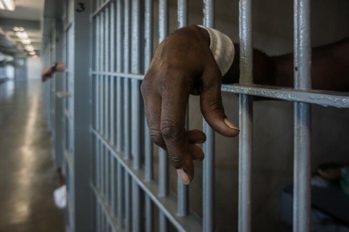 Эта страна характеризуется самым большим числом заключенных, что и указывает на процент преступности, а здесь он более чем высокий / Фото: newsweek.com