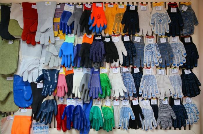 Самые недорогие – «Нить 4», тогда как самая высокая цена у перчаток «Класс 13», разница ощутима не только в стоимости, но и в качестве / Фото: sp-orenburg.com