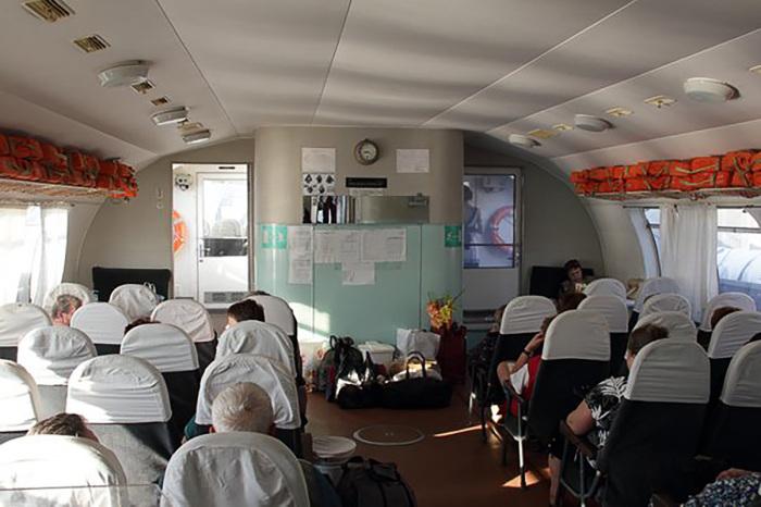 Сегодня теплоход «Метеор» обслуживает деревенских жителей / Фото: urban3p.com