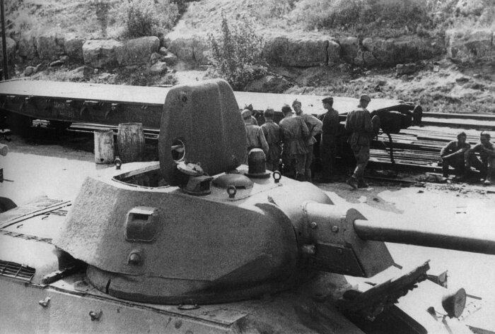 Основной отличительной чертой этих танков являлись металлические катки вместо обрезиненных / Фото: fotoload.ru