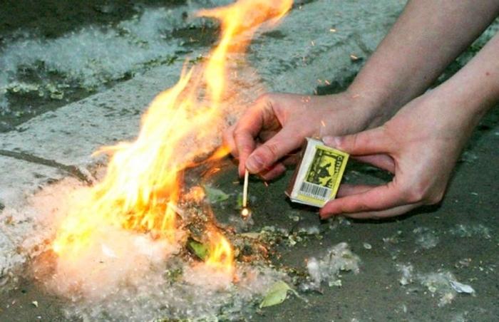 Пух легко воспламеняется, что может привести к пожару / Фото: sarov24.ru