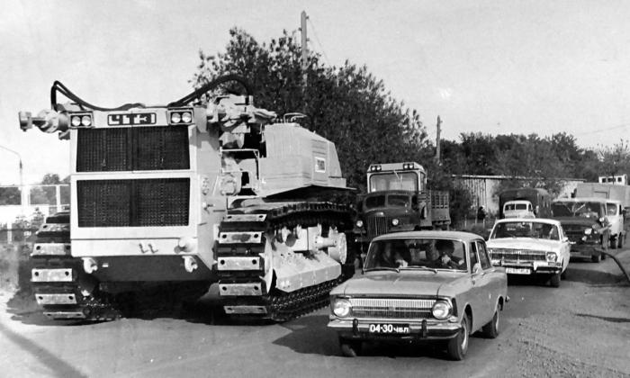 Не только в СССР, но и в других странах более тяжелого и огромного трактора, чем Т-800, не было / Фото: 123ru.net