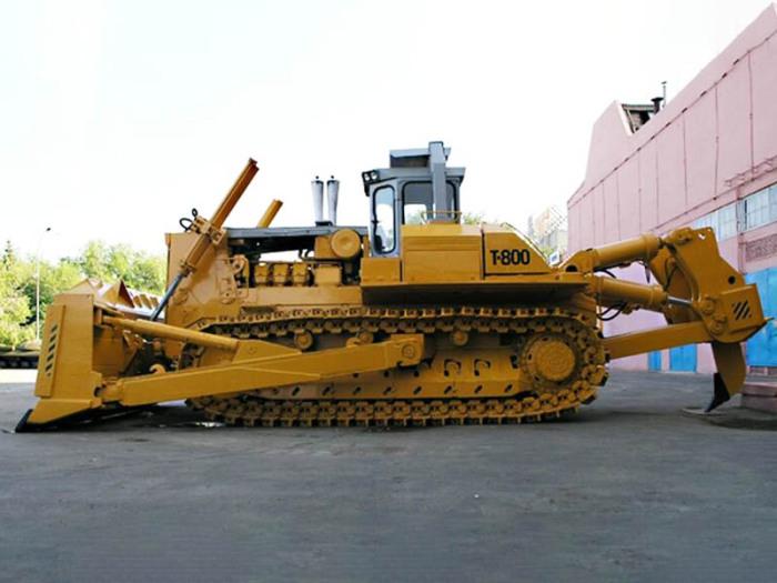 Трактор работает на дизельном моторе, способном развить мощность 820 лошадиных сил / Фото: igrader.ru