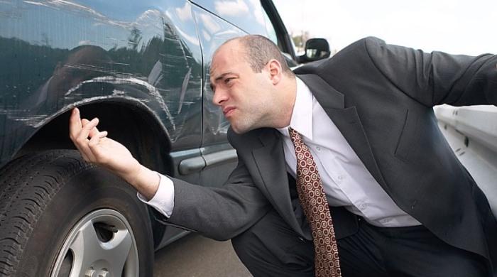 Даже опытный водитель, который очень аккуратно ездит и всегда следит за своей машиной, может замечать царапины на металле / Фото: rudorogi.ru