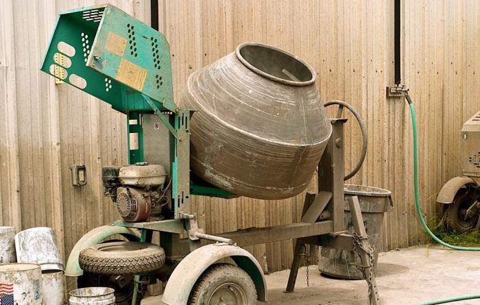 Зачем мастера добавляют обычный сахар в цементный раствор