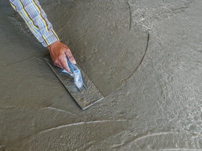 Сухой метод железнения несовместим с попаданием прямых лучей солнца, поэтому проводить процедуру нужно рано утром или в вечернее время / Фото: par-torg.com