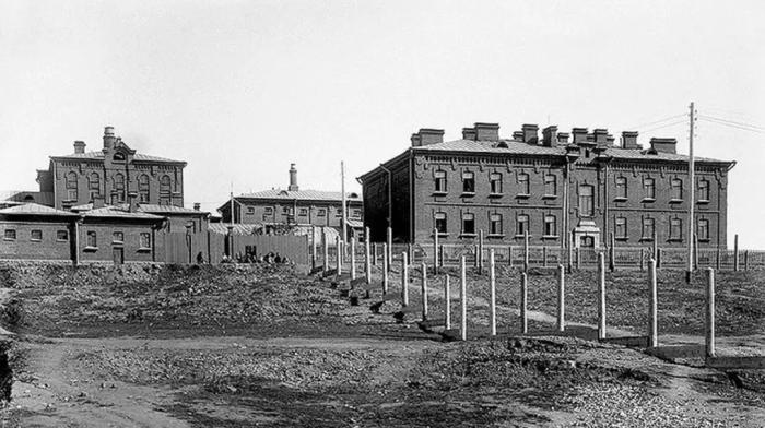 Здание тюрьмы было построено в 1914 году на месте прогнивших бараков для заключенных / Фото: 9111.ru