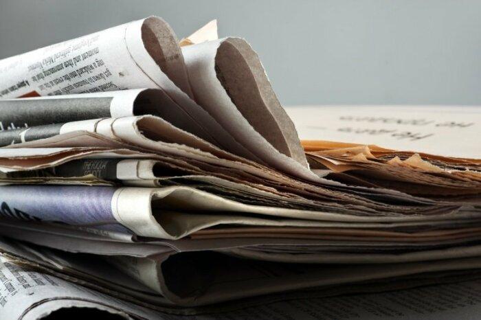 Газета впитывает влагу, оставляя утеплитель в сапогах сухим / Фото: mudriesoveti.ru