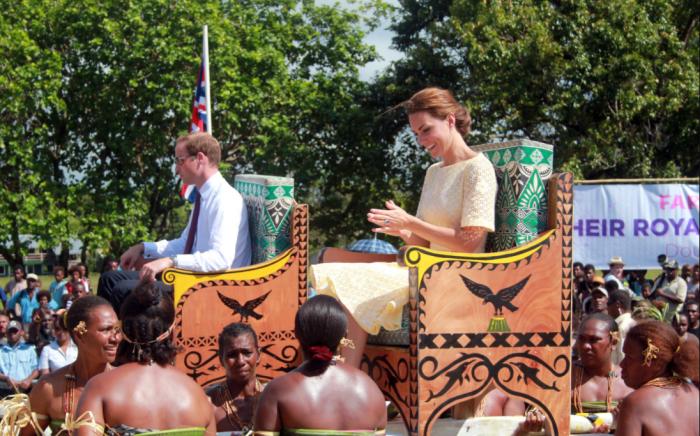 В ходе турне по островам Тихого океана и Юго-восточной Азии в Тувалу побывали принц Уильям с Кейт Миддлтон / Фото: news.tochka.net