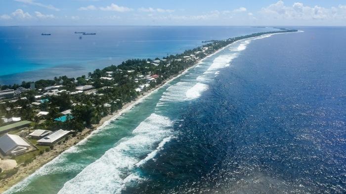 На Тувалу нет гор, но очень много красивых пляжей, а наиболее высокая точка – 5 м над уровнем моря / Фото: bing.com