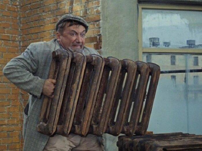 Более тяжелый радиатор отопления может иметь толстые стенки / Фото: jkg-portal.com.ua