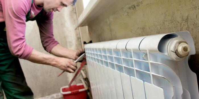 Любой алюминиевый радиатор назвать слишком прочным, устойчивым к повреждениям, нельзя / Фото: vodatyt.ru