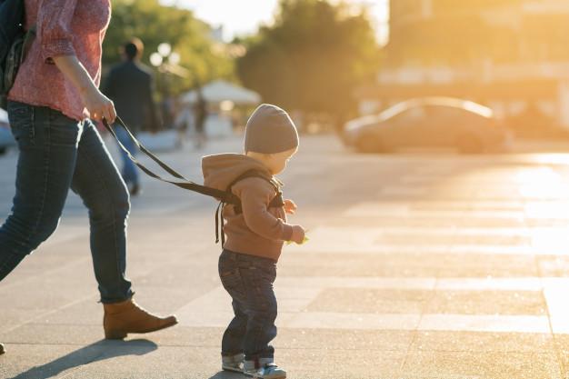 Тотальный контроль за ребенком приведет к его несамостоятельности / Фото: ru.freepik.com