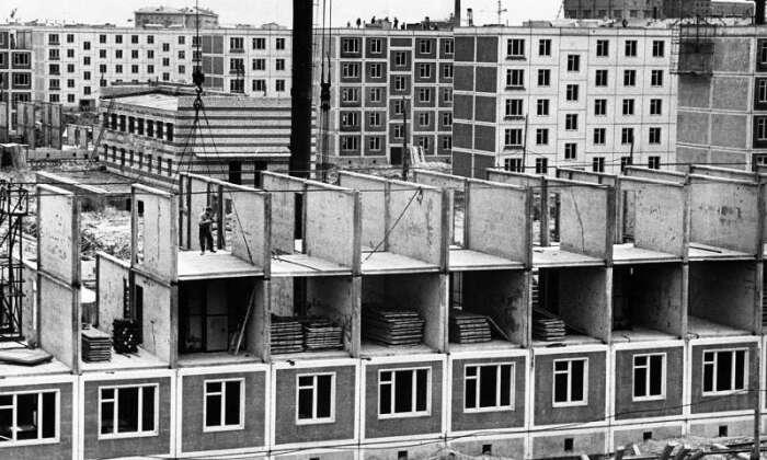 Согласно медицинским данным, люди, проживающие на этажах выше пятого, обращались за помощью к медикам приблизительно на пятьдесят процентов чаще / Фото: sneznoe.com
