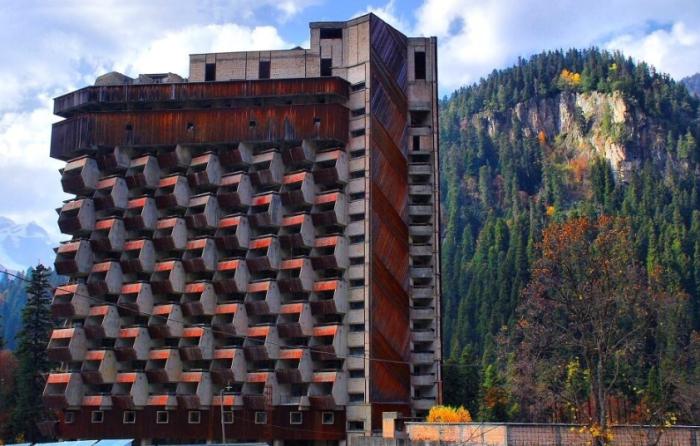 Версия о трещине в фундаменте строения так и не подтвердилась / Фото: yandex.ua