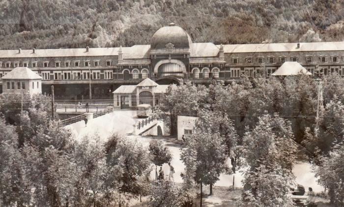Закрытие вокзала произошло в результате крушения моста между Испанией и Францией / Фото: urbexsession.com