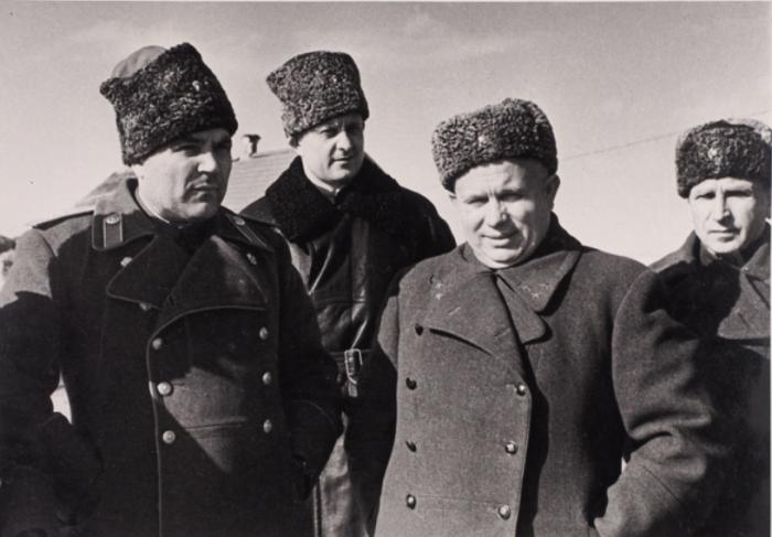 Считается, что данное предложение от тогда еще молодого генерала Н. Хрущева поступило во время битвы на Курской дуге / Фото: thefewgoodmen.com