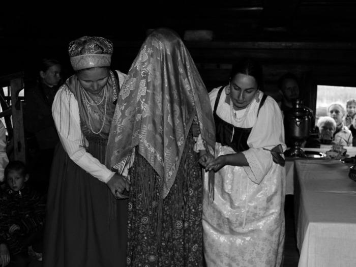 В Карелии любая девушка могла спокойно выйти замуж за человека, которого до этого ни разу и в глаза не видела / Фото: stolicaonego.ru