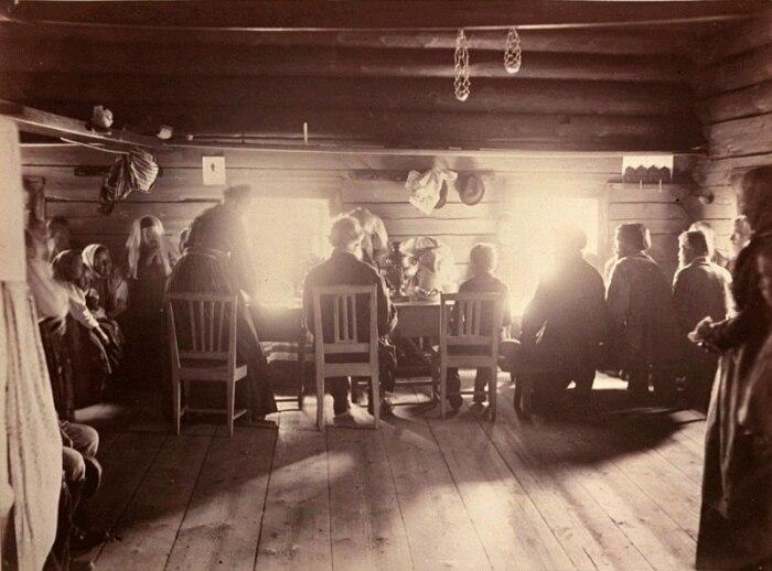 Процедура сватовства имела разные сценарии: от проведения огромного количества ритуалов до наиболее простой вариации / Фото: horoshiy-text.ru
