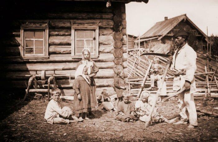 Жена в доме была необходима, чтобы помогать мужу, делать работу по хозяйству и для продолжения рода / Фото: gabitovaa891.blogspot.com