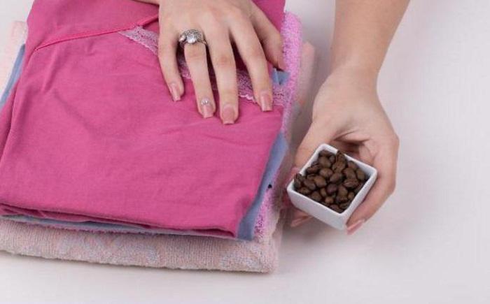 Ароматный кофе эффективно нейтрализует запахи / Фото: monateka.com
