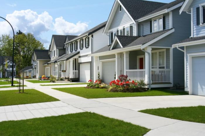 Во время покупки дома в Америке важно обратить внимание на то, что прописано в документах, в них может указываться цвет фасада, принятый всеми жильцами / Фото: propertymarketplace.com