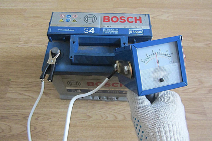 Восстановить батарею возможно, если напряжение упало до 9 Вольт или ниже, но остановилось / Фото: delmex.ru