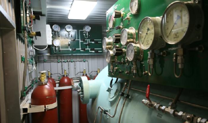 На субмаринах кислород получают искусственным путем с помощью спецустановок / Фото: yandex.ua