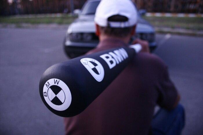 Бейсбольная бита для транспортировки в авто ограничений не имеет / Фото: gunforum.com.ua