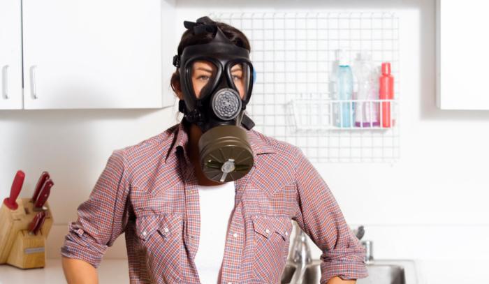 Чтобы неприятный запах в доме не портил жизнь, достаточно смешать несколько доступных ингредиентов / Фото: faceandcare.ru