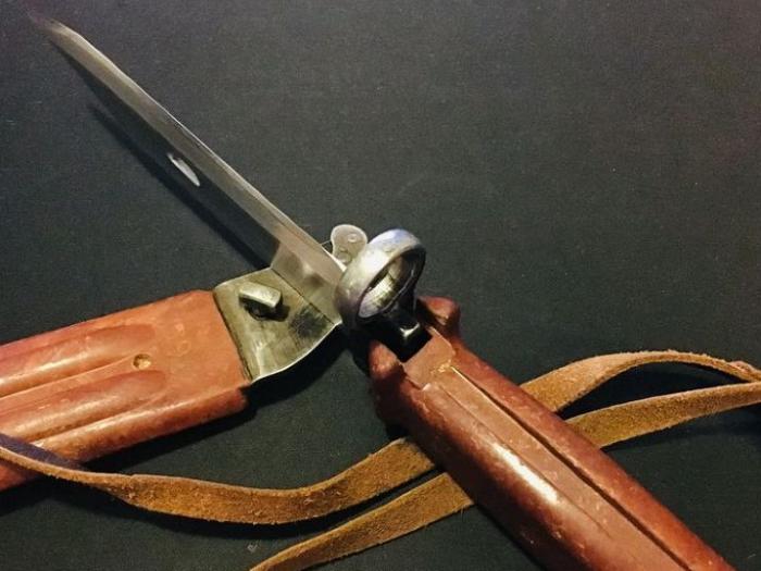 Если клинок затачивать, верхний защитный слой будет удален, что со временем приведет к негодности изделие / Фото: osta.ee